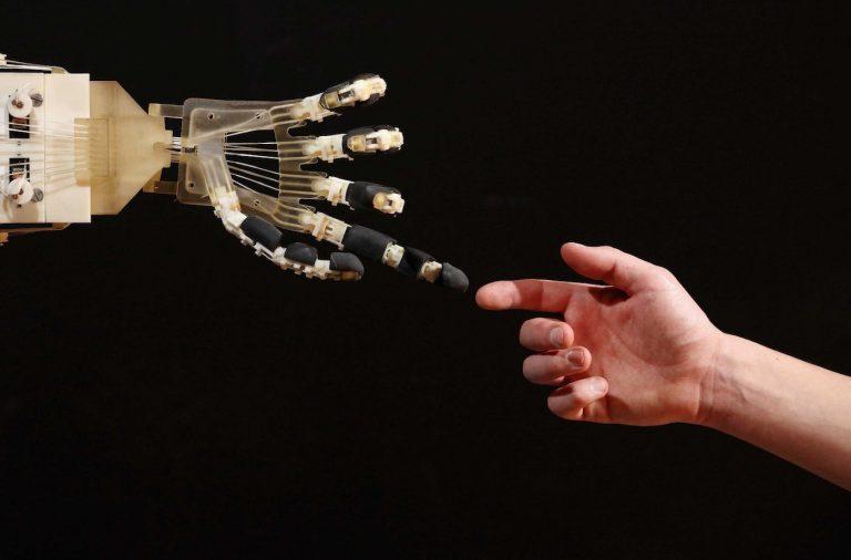 robot-hand-1-1